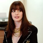 """15 years after """"The devil wears fashion"""" we remember the best outfits of Anne Hathaway"""