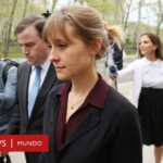 Actress Allison Mack sentenced to 3 years in prison for recruiting women for the Nxivm sect - BBC News World