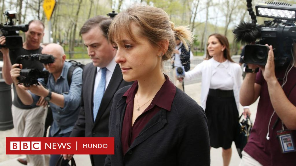 1625100285 Actress Allison Mack sentenced to 3 years in prison for
