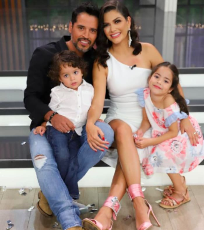 The former host of Falling in love and her family