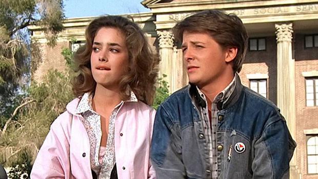 "Claudia Wells y Michael J. Fox en ""Back to the future 1""."