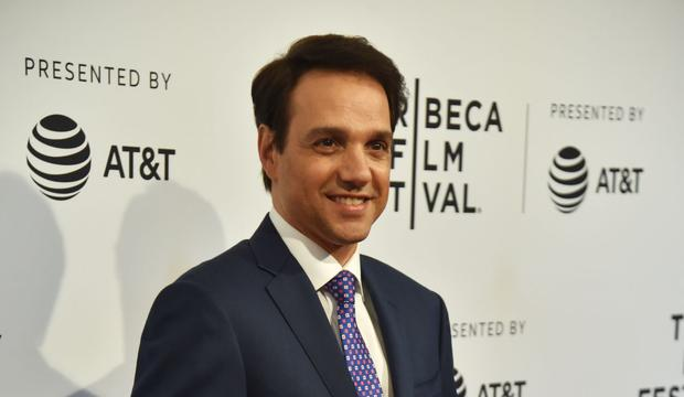 Ralph Macchio talks about his private life Ralph Macchio talks about his private life and his 33 years of marriage. (Photo: Hector Retamal / AFP).