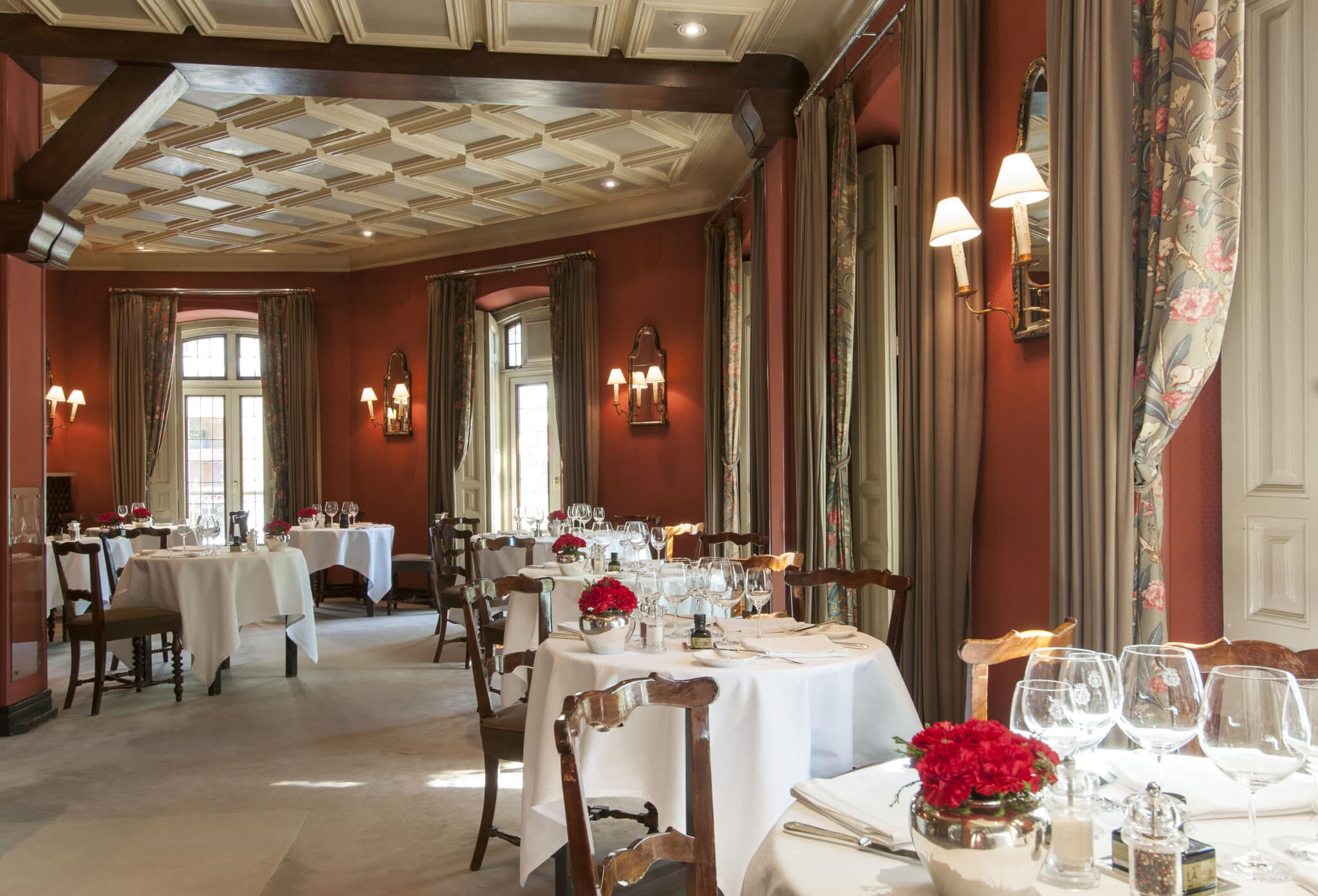 Horcher, gastronomic luxury to give away in the Madrid of Salvador Dalí and Sophia Loren