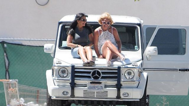 Britney and her mother in Los Angeles in 2015
