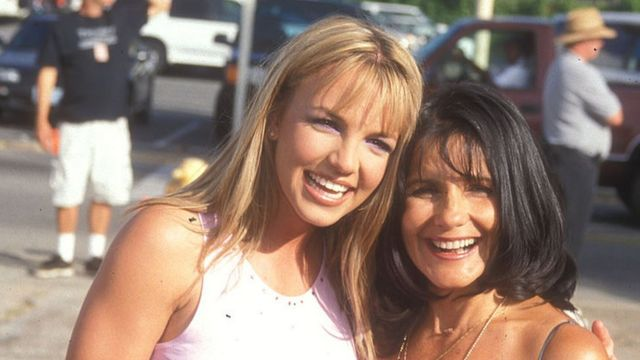 Britney Spears and her mother in 1999