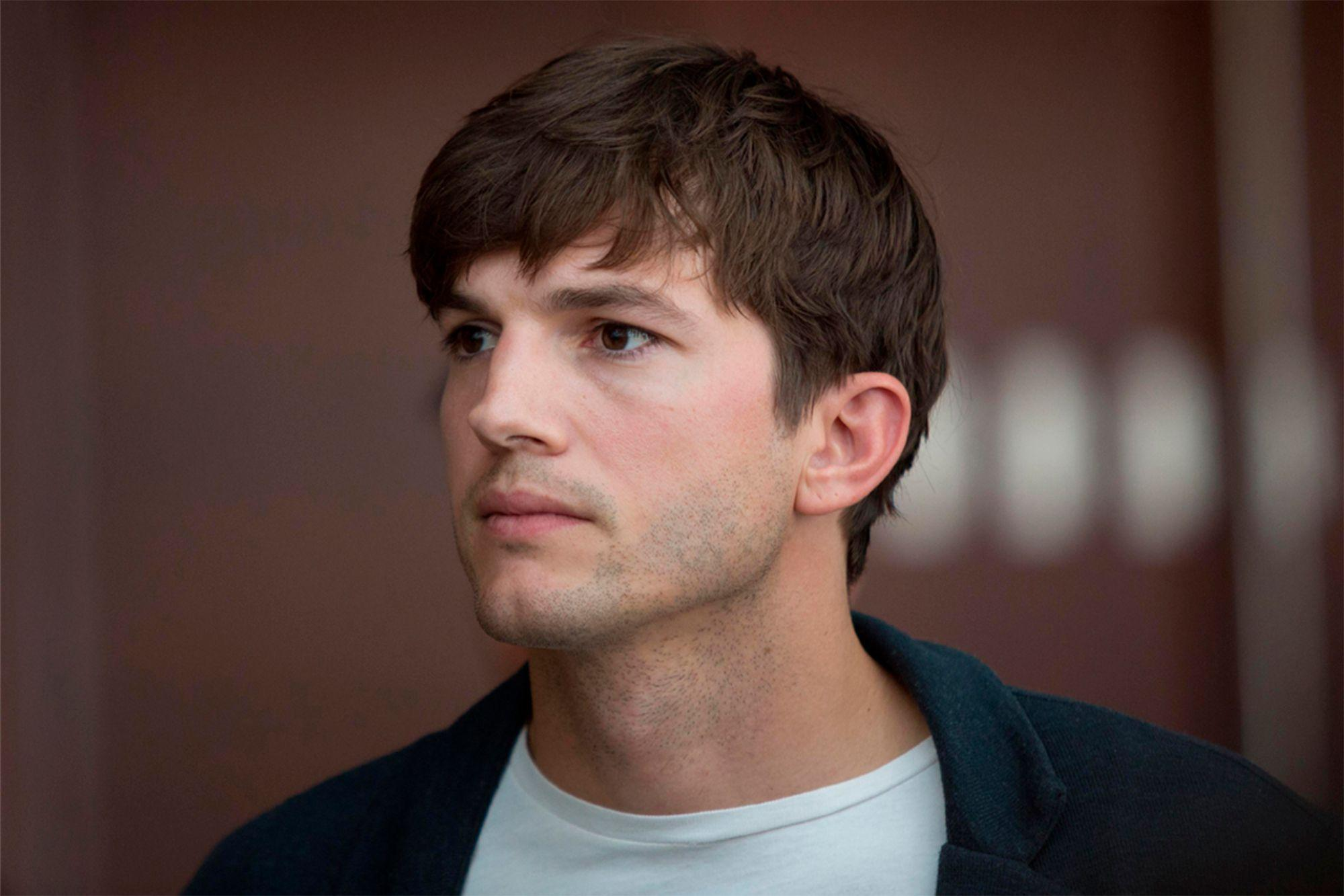 1626882162 Ashton Kutcher returned his ticket to space travel with Virgin