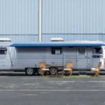 Tom Hanks auctions the caravan that has accompanied him in his films since 1993 - Motor Journalism