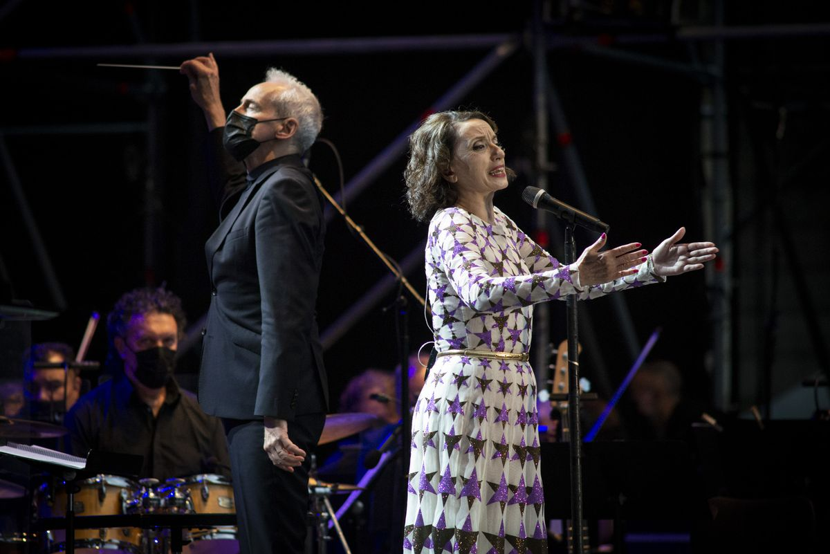 Luz Casal sings her best songs turned into a symphony by the Real Filharmonía de Galicia