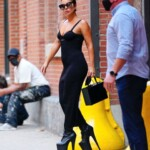 Lady Gaga wears black strapless dress and 9 '' platform heels - Marseille News