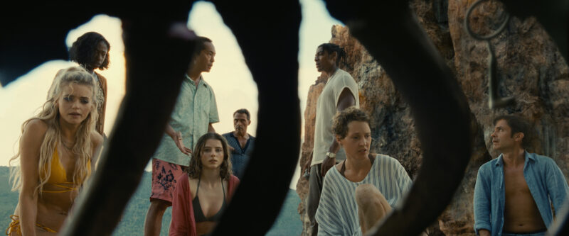 "Premieres: review of ""Viejos"", by M. Night Shyamalan - Micropsia"