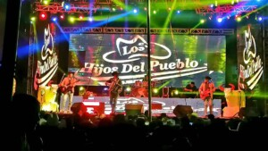 Despite the third wave of COVID, Los Hijos del Pueblo give a massive concert