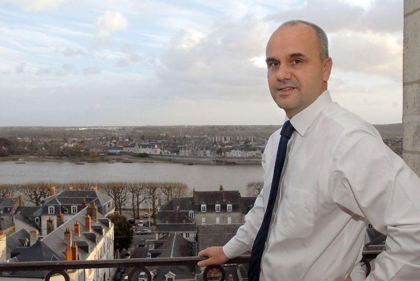 ENQUÊTE - La troublante gestion de l'association de Nicolas Perruchot, ex-président du Loir-et-Cher