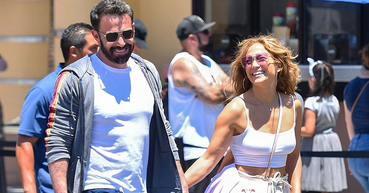"""""""I'm in the best moment of my life"""": Jennifer Lopez spoke about her romance with Ben Affleck"""