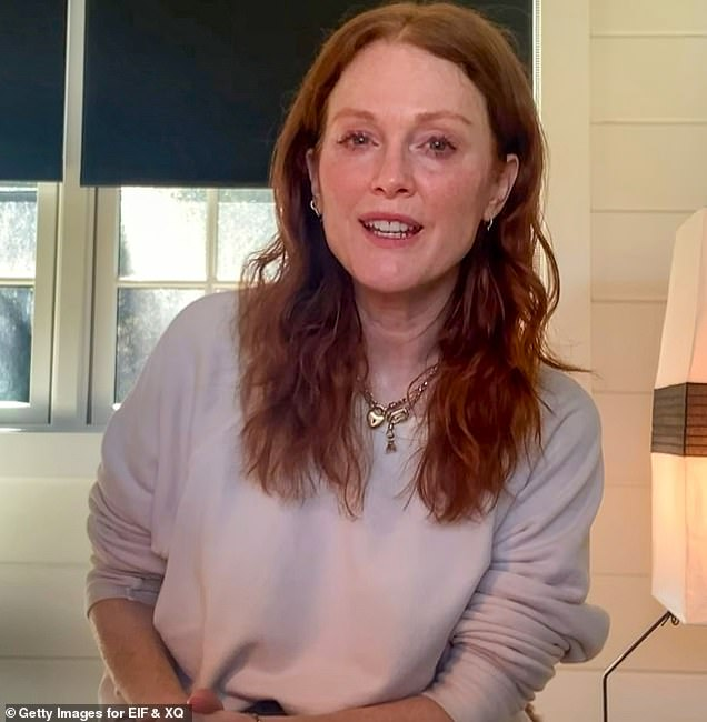 """Julianne Moore SAYS the phrase """"aging gracefully"""" as """"totally sexist."""""""
