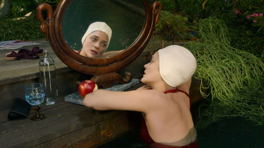 Marion Cotillard fear is a reality in this profession