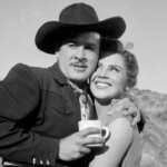Pedro Infante flirted with a beautiful golden film actress and, with his mother and sisters!