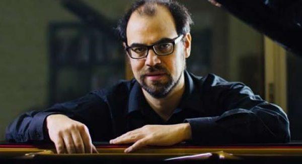 Pianist Rodrigo Furet gives concert via internet
