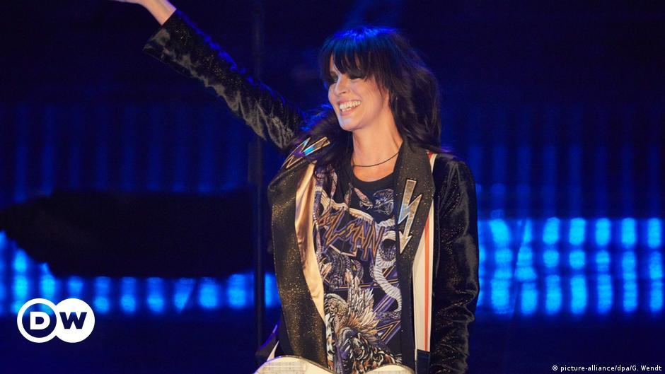 The singer Nena calls to ignore hygiene measures in full