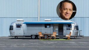 Tom Hanks is auctioning his motorhome and it is all the rage: he accompanied him for 30 years and in 20 films