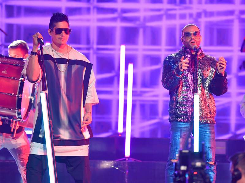 Venezuelans Chino and Nacho meet at Premios Juventud after nightmare