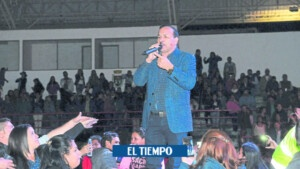 Video of the controversial greeting of Charrito Negro at his concert in Toribío