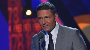 Where did the rumors come from that Fernando Colunga is gay and what is true about it?