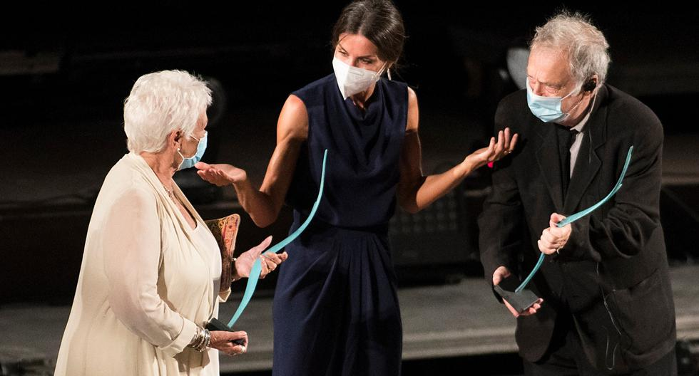 """Queen Letizia presented Judi Dench with the """"Masters of Cinema"""" award"""