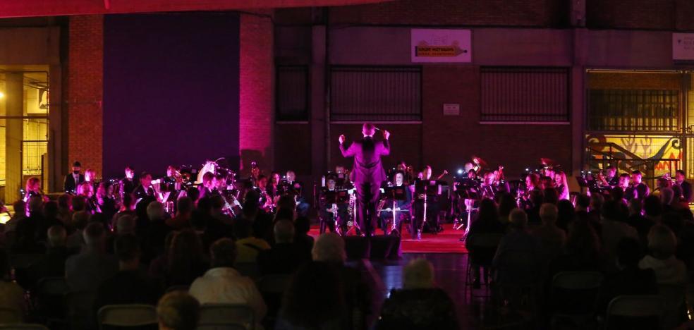 1628095960 The music band paid tribute to Felix Zabaleta at the