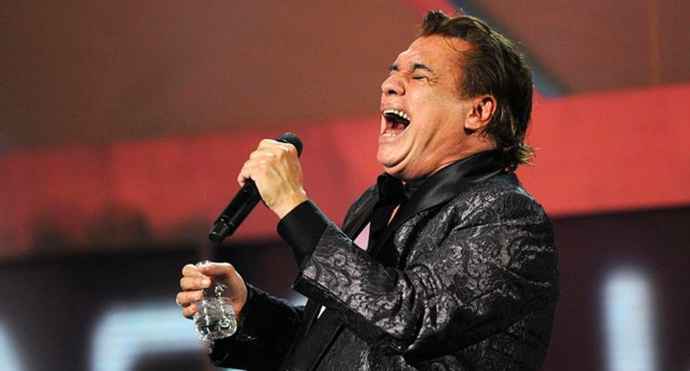The day Juan Gabriel was almost killed for kissing a Colombian narco in a private concert