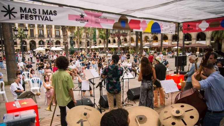 The free concerts are back in Plaza Reial