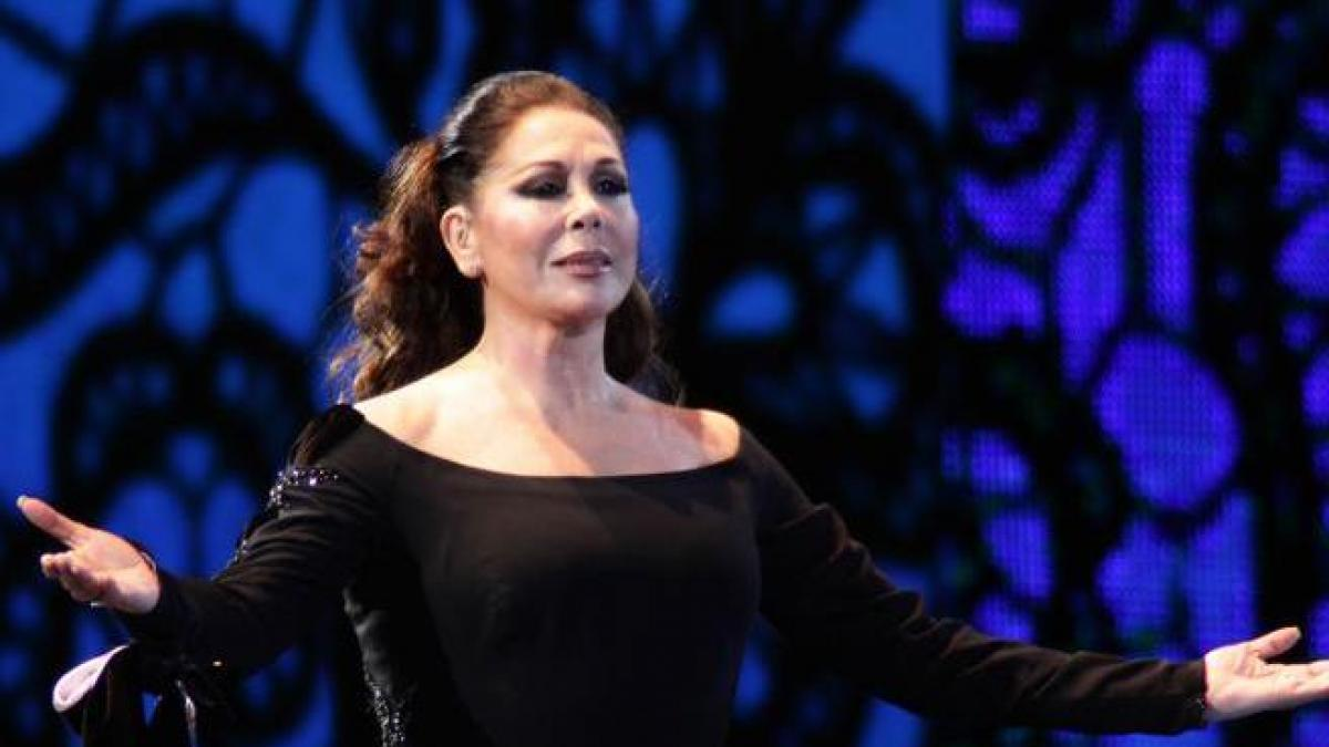 1628495923 Isabel Pantoja reappears in concert after months of imprisonment