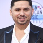Larry Hernández is unrecognizable! The singer shows how much weight he has lost after falling ill with coronavirus