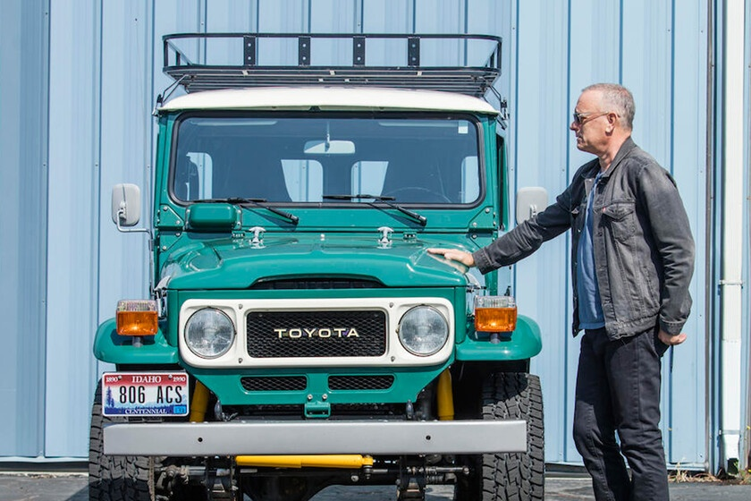Tom Hanks clears the garage for 433,000 euros and says goodbye to three of his cars and his mythical caravan