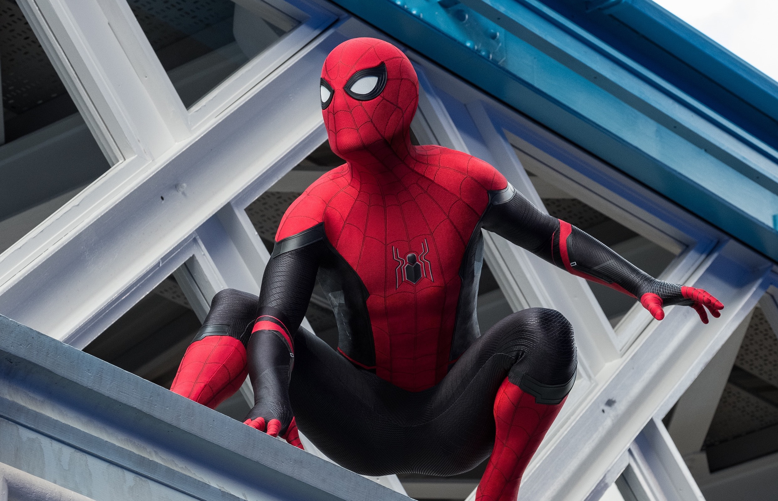 The trailer for 'Spider-Man: No Way Home' is leaked and the internet is going crazy