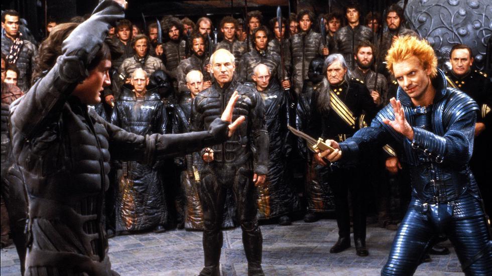 En el año 10191, el mundo está en guerra por el control del desértico planeta Dune en esta adaptación de la novela de Frank Herbert dirigida por David Lynch.
