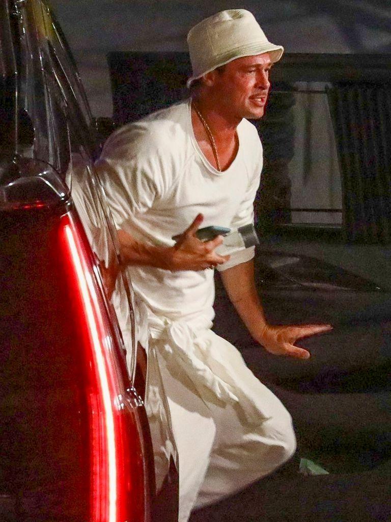 Brad Pitt in Los & # xc1; angels, arriving on the set of Babylon