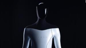 Elon Musk Announces Tesla Building Humanoid Robot
