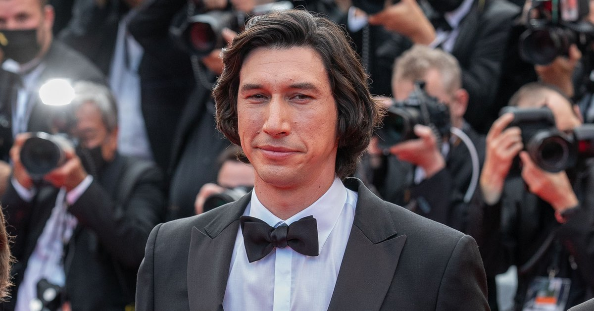 Adam Driver, the new Hollywood star who was a marine, hid a two-year-old son and showed off singing in a sex scene
