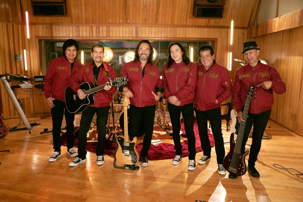 After 25 years Los Bukis offer an unforgettable concert at