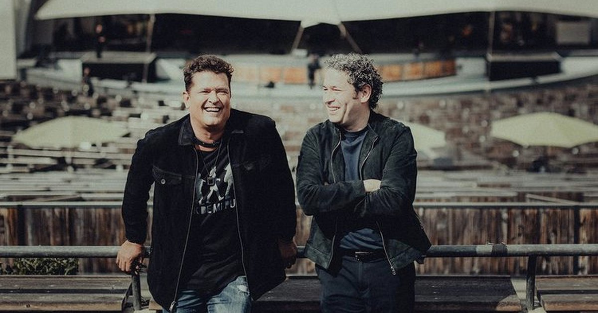 Carlos Vives begins his American tour with two concerts with the Los Angeles Philharmonic Orchestra conducted by Gustavo Dudamel