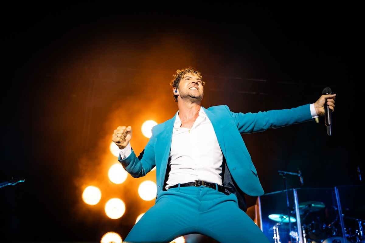 David Bisbal excites Roquetas and reviews his career in a brilliant concert