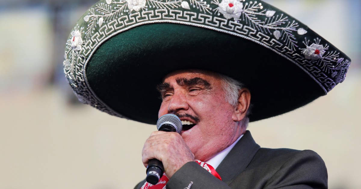 Doctors report serious but stable to Mexican singer Vicente Fernandez