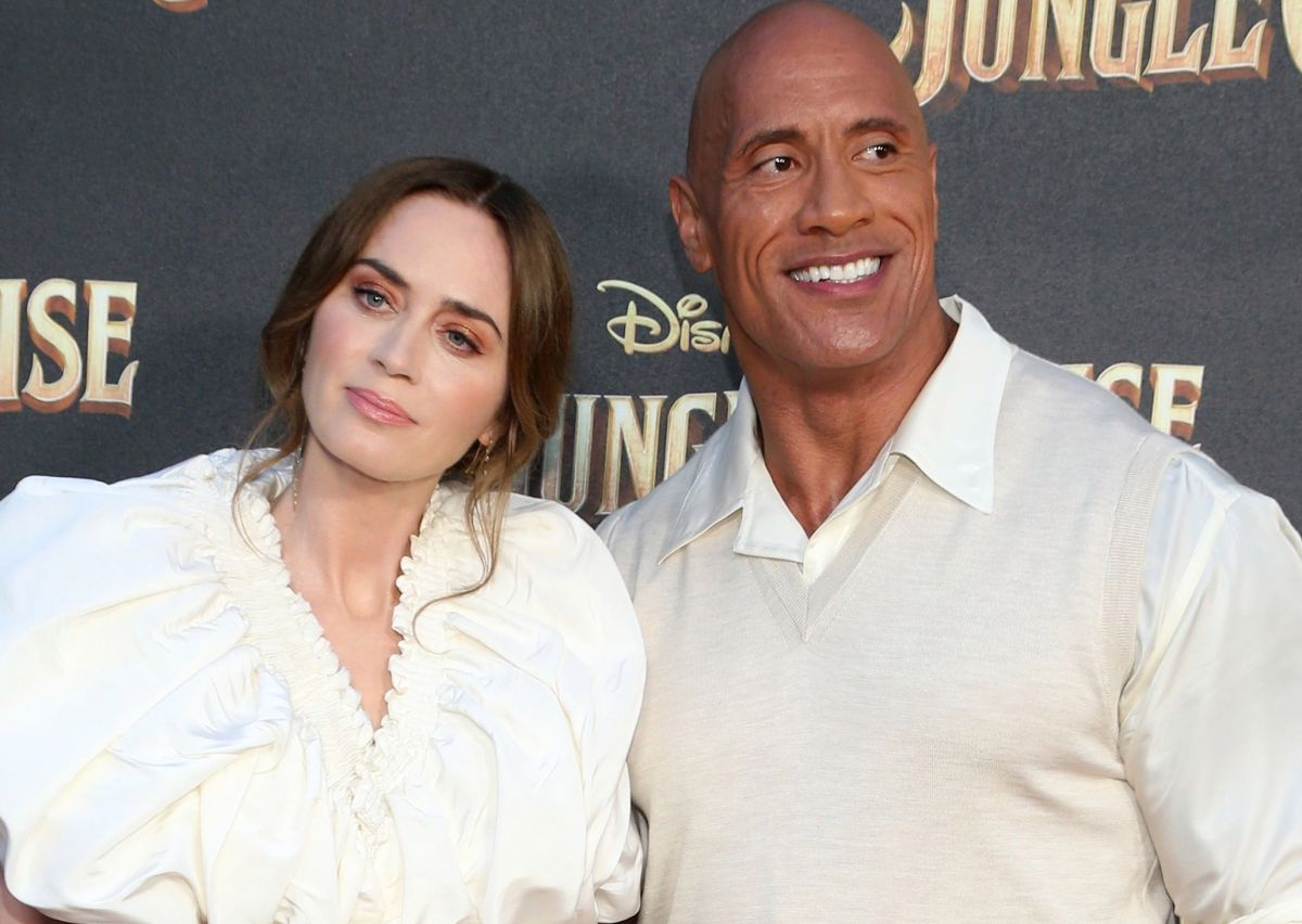 """Dwayne Johnson had to """"beg"""" Emily Blunt to star with him in the movie """"Jungle cruise"""""""