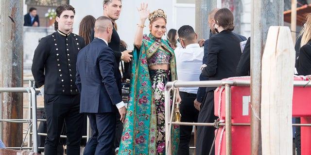 Heidi Klums daughter Leni Jennifer Lopez and more dazzle as