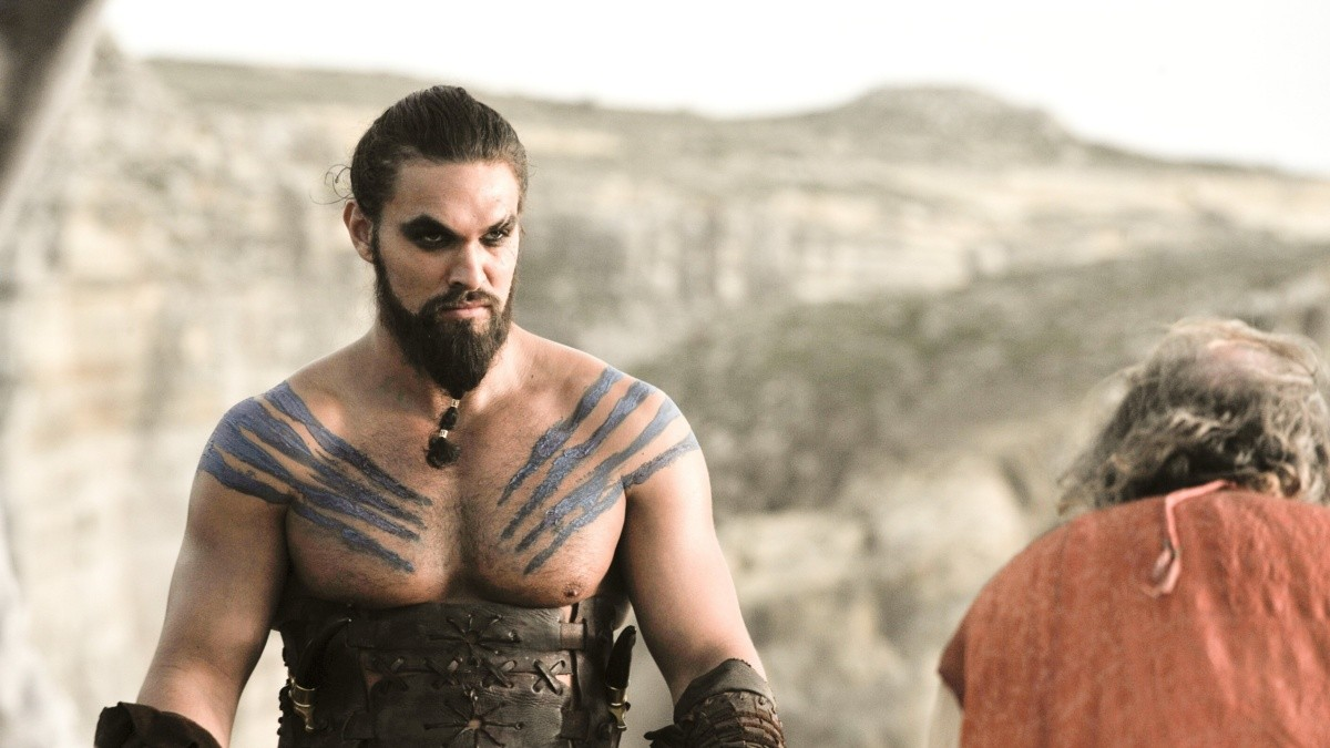 Jason Momoa very hard with a question about the controversial
