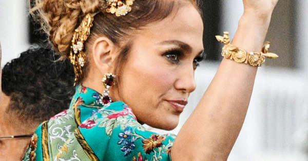 Jennifer Lopez is the queen of Dolce & Gabbana in Venice