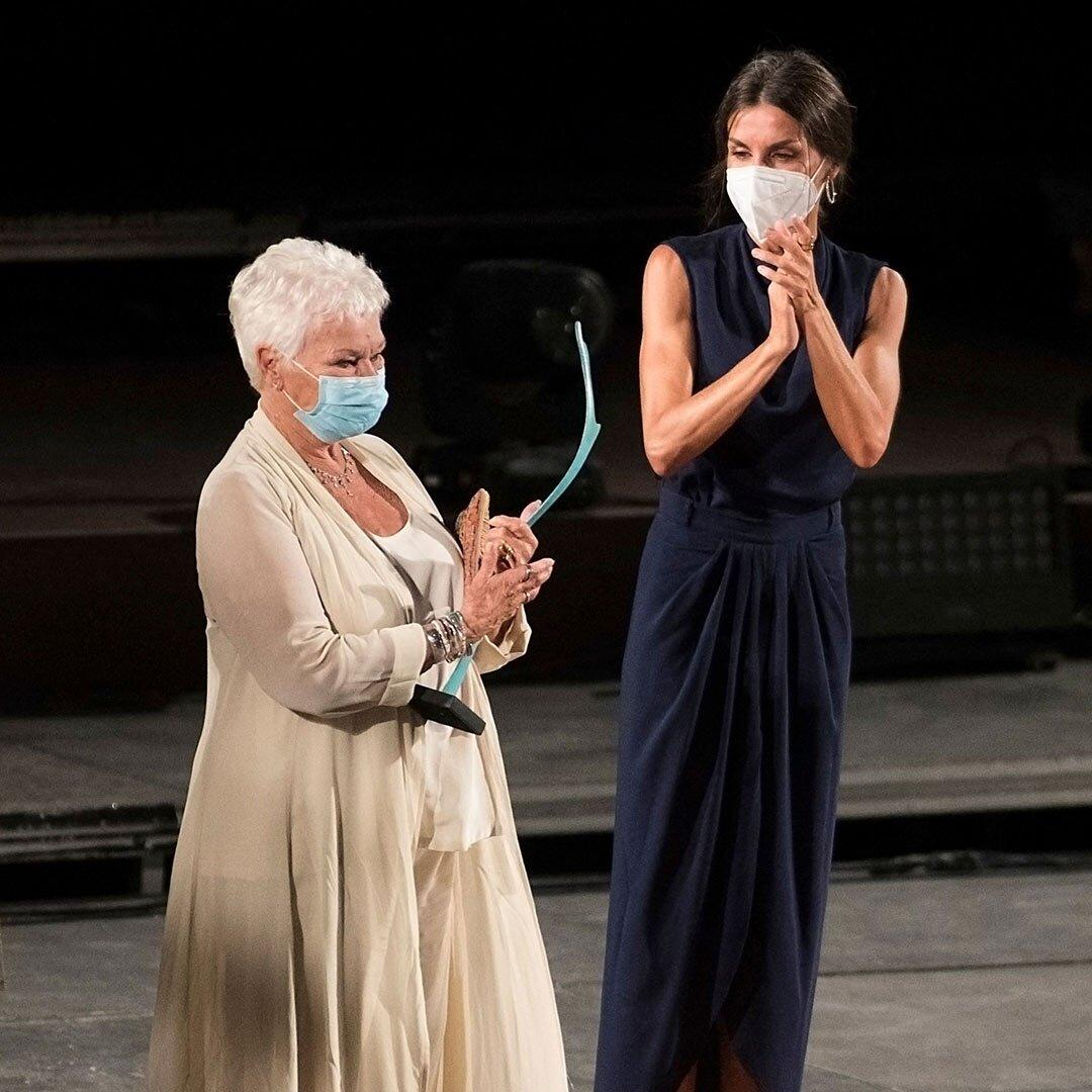 Meeting of two queens! Queen Letizia of Spain presents an award to Dame Judi Dench