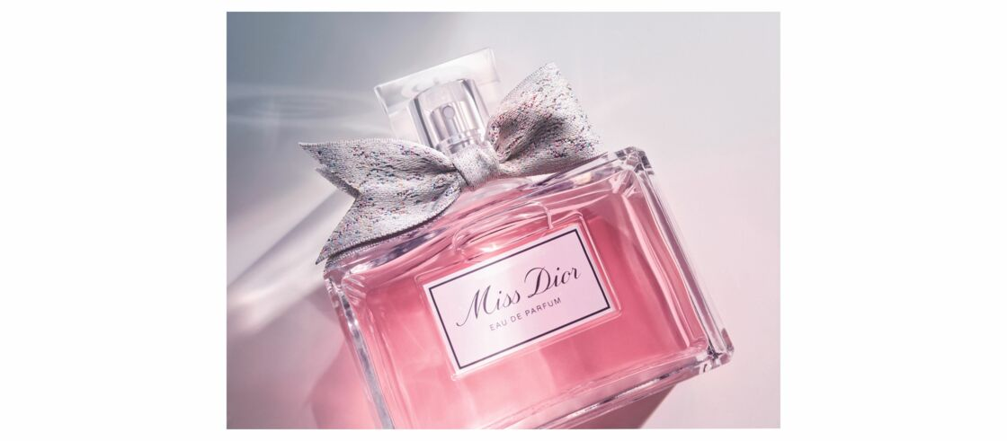 Miss Dior discover the history of perfume embodied by Natalie