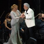 Plácido Domingo and Marta Sánchez, united by the anthem of Spain at the Starlite in Marbella