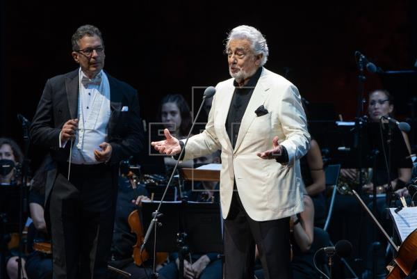 Placido Domingo fell in love with the public in